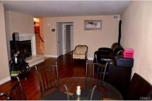 The family dinning room and family room are directly connect to