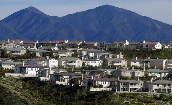 Housing tracts in Aliso Viejo. (Marc Martin / Los Angeles Times )